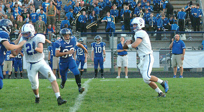 Staff photo by Bryan Helvie Passing attack: Batesville junior quarterback Connor Schuck connected on 13-of-20 passes for a total of 303 yards against the Pirates.
