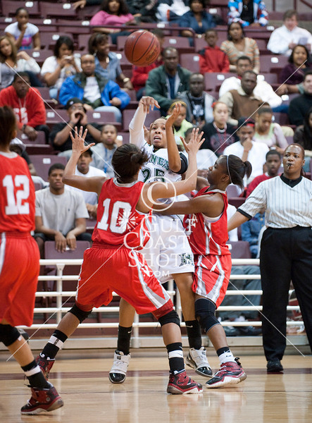 Alief's Campbell Center hosted the Texas University Interscholastic League Region 3 Women's 5A Varsity basketball finals between the Bellaire Carinals and the Hightower Hurricanes. Tied in the trailing minutes, Hightower pulls ahead to win 70-64 and advance to the state meet at the University of Texas in Austin.