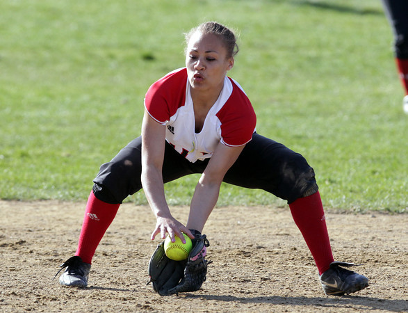 Salem: Salem shortstop Desiree Martin fields a ground ball and makes a force play at second base. David Le/Salem News