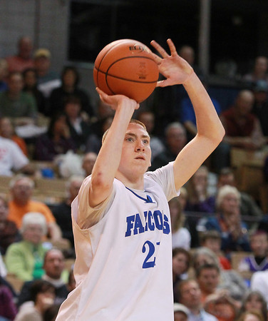 Worcester: Danvers sophomore Vinny Clifford lines up a three-points shot from the corner against Smith Academy in the D3 North Finals on Saturday afternoon. David Le/Salem News