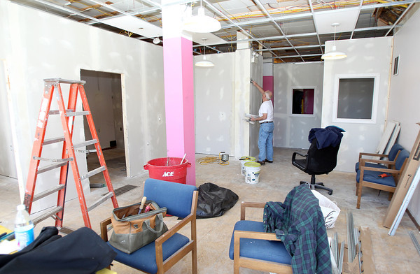 Beverly: A new day center for Family Promise North Shore Boston, is opening on Rantoul St. in Beverly. Volunteers from the Congregational Church of Essex worked on Saturday morning to prepare the center for its scheduled opening on May 12th. David Le/Salem News