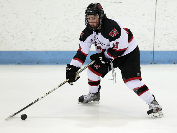 North Billerica: Marblehead senior winger Trip Franzese controls the puck in the offensive zone against Swampscott on Wednesday evening. David Le/Salem News