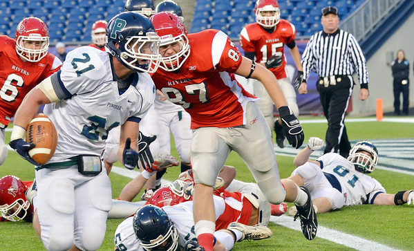 Foxborough: Action from the 36-28 Pingree win over Rivers in the Norm Walker Bowl at Gillette Stadium. photo by Mark Teiwes / Salem News