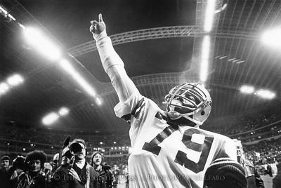 1979 Dallas Cowboys Harvey Martin celebrates NFC championship