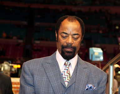 "Former Knicks player and current broadcaster Walt ""Clyde"" Frazier."