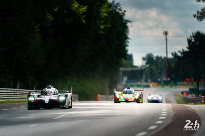 #7 - TOYOTA GAZOO RACING (JPN)  CAR MODEL : TOYOTA TS050 - HYBRID TYRES : MICHELIN DRIVERS : Mike CONWAY (GBR) Kamui KOBAYASHI (JPN) Jose Maria LOPEZ (ARG)