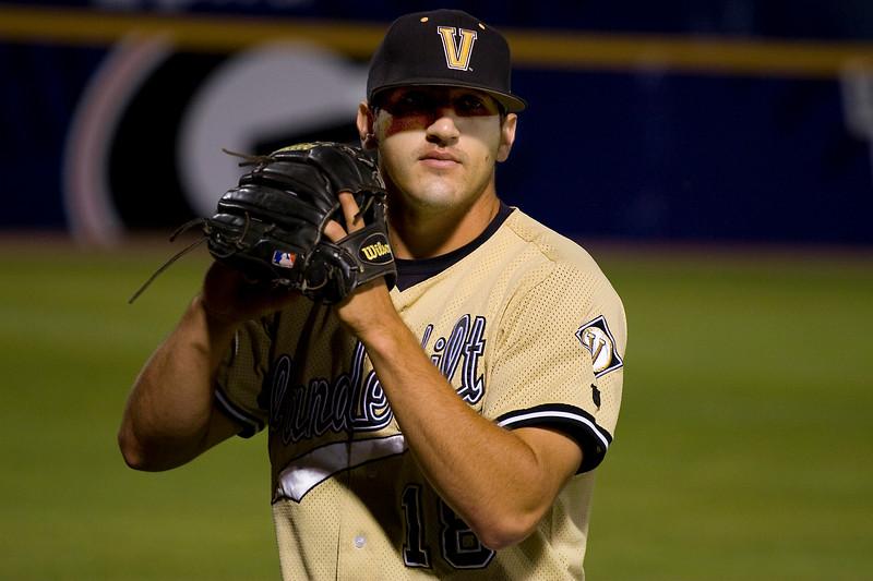 Casey Weathers pitching Vanderbilt