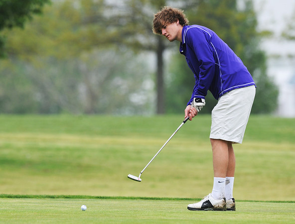 Globe/Roger Nomer<br /> Thomas Jefferson's Tyler Thurman putts on Monday at Schifferdecker Golf Course.