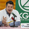 Ex-Cardinal catcher Tom Pagnozzi talks to fans during the Cardinals Caravan's stop in Joplin at Missouri Southern on Saturday.<br /> Globe | Laurie Sisk