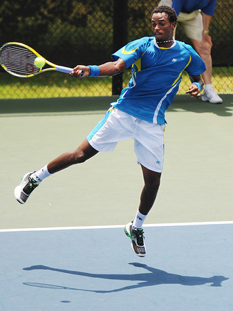 Globe/T. Rob Brown<br /> Darian King of Barbados, No. 1 seed, returns a serve to opponent Leon Frost of Australia during Wednesday afternoon's match, July 17, 2013, of the USTA Freeman $10,000 Men's Futures at Millennium Tennis Club.