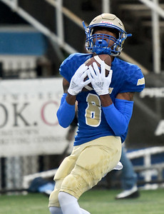 Northeastern A&M receiver Marcheenan Hair pulls down a long touchdown pass during the Norsemen's game against Tyler Junior College on Saturday at NEO. Globe | Laurie SIsk