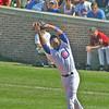 Chicago Cubs 1st baseman Derrek Lee catching an infield fly.