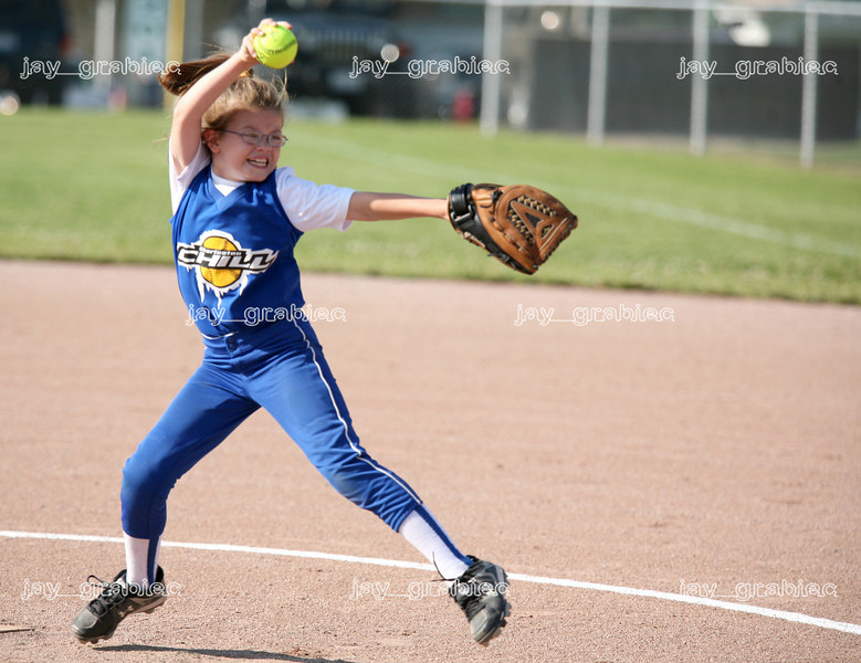 Charleston Chill ten-year-old and under pitcher MacKenzie Morgan delivers a pitch during a game against the Mattoon Pride at the Mattoon Softball complex in Mattoon, Illinois on Friday June 5, 2009. (Jay Grabiec)