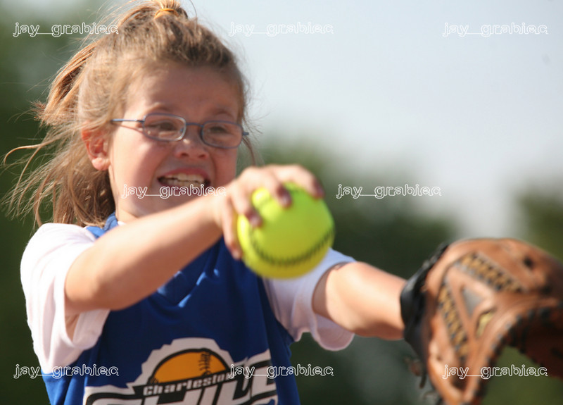 Charleston Chill ten-years-old and under pitcher MacKenzie Morgan delivers a pitch during a game against the Mattoon Pride at the Mattoon Softball complex in Mattoon, Illinois on Friday June 5, 2009. (Jay Grabiec)