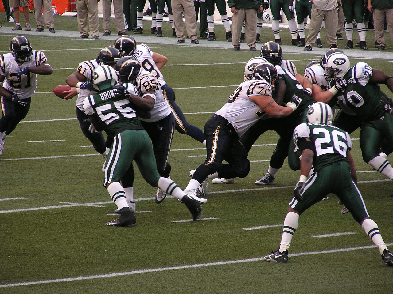 Drew Brees handing off to Tomlinson (while with the Chargers)