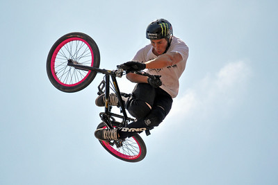 Pink with a Twist - Scotty Cranmer sports pink rims while competing  in the  6.0 HB BMX Pro - Huntington Beach, CA