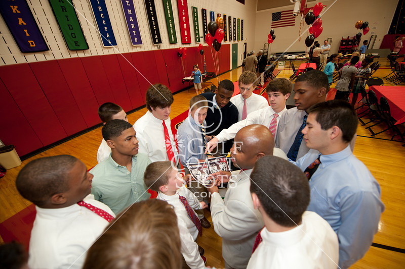 All three upper-school teams assembled in Liu Court a week after the varsity team's first SPC Division 1 championship in 29 years, over Episcopal, to celebrate the season.