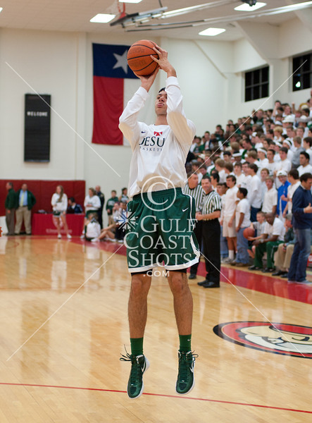 The Crusaders of Houston's Strake Jesuit College Preparatory High School traveled to Reckling Gymnasium at St. Thomas High School to take on the Eagles in boys varsity TAPPS basketball. In a packed gym with crowds standing in every available space, the Crusaders won 61-49.