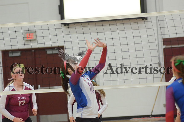 09-29 Interestate 35 volleyball at Clarke