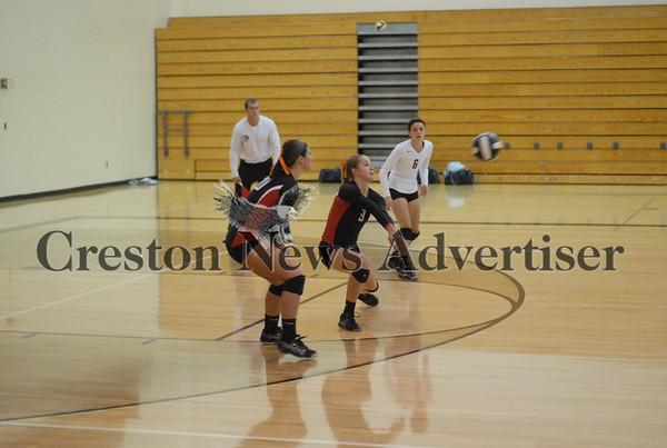 10-01 Creston-LC volleyball