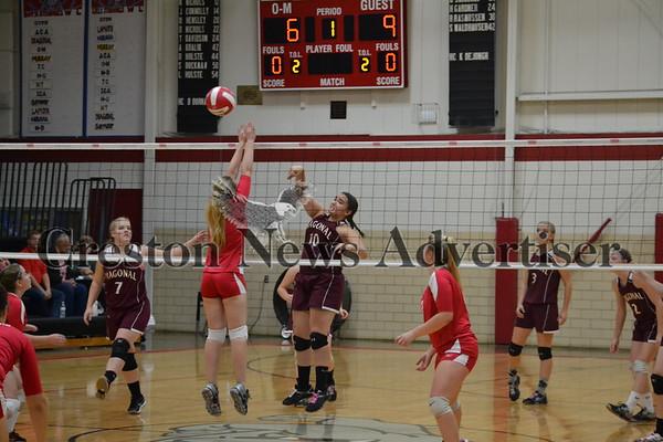 10-04 Diagonal Orient-Macksburg volleyball