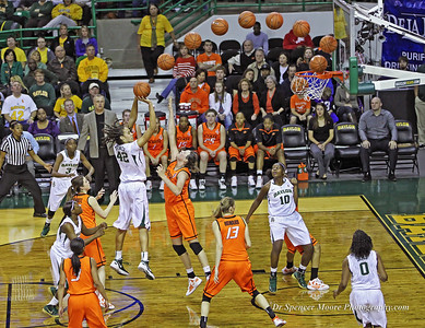 Baylor's Brittney Griner scores with a jump shot in the paint against OSU.