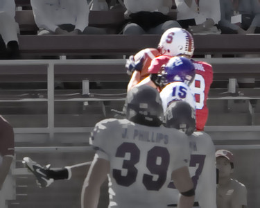 He makes the catch for the TD!
