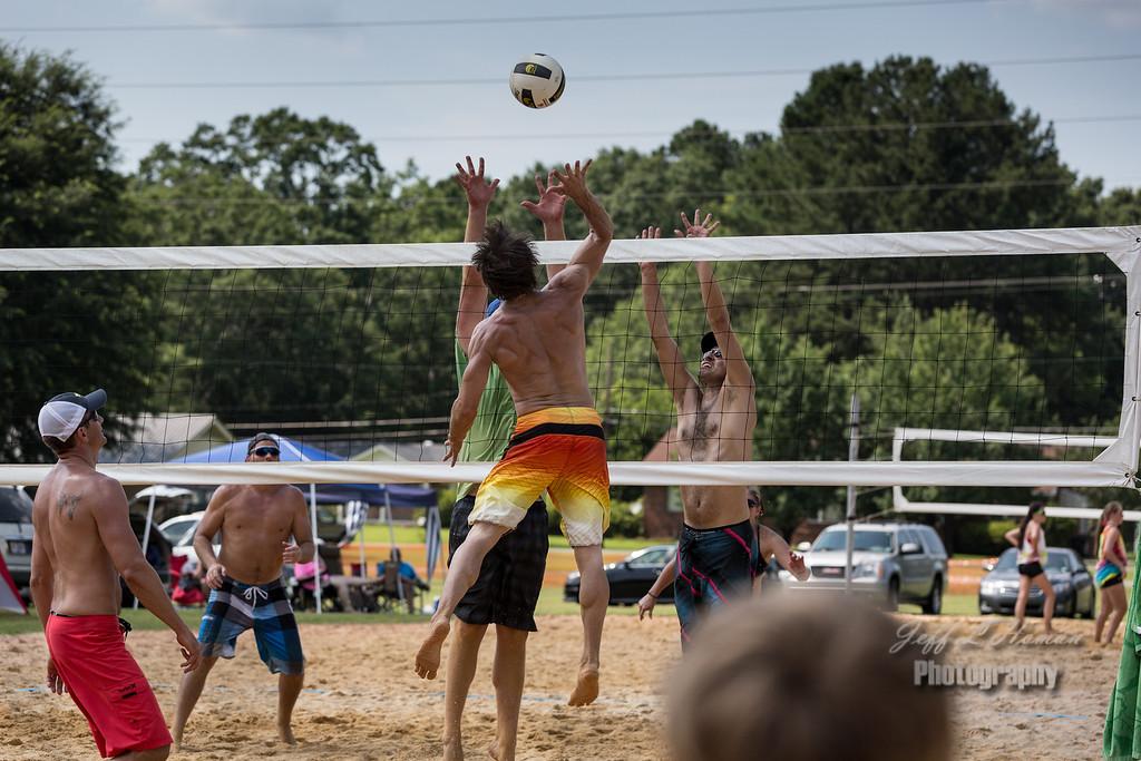 IMAGE: http://www.jefflhoman.com/Other/Volleyball-edits/i-8BvWhgt/0/XL/0K7B6271P_-XL.jpg