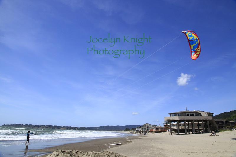 Kitesurfers4310