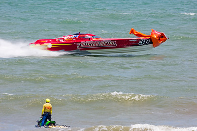 Twisted Metal Racing Boat takes out pilon