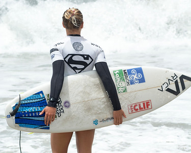 2016 Paul Mitchell Supergirl Pro surfing