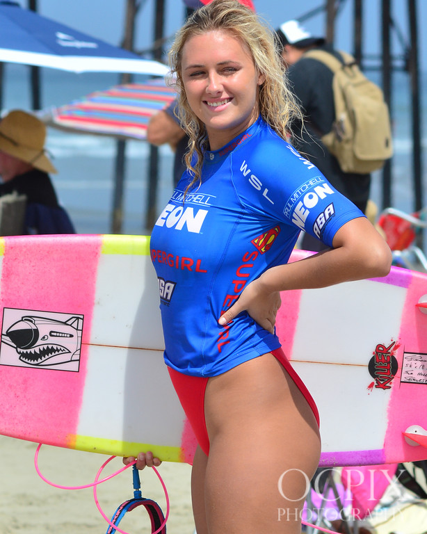 Ellie-Jean Coffey at the 2017 Supergirl Pro