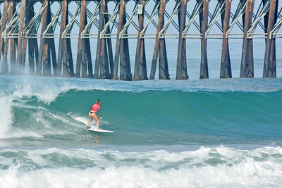 Kloee Openshaw at the 2019 Nissan Super Girl Pro surfing