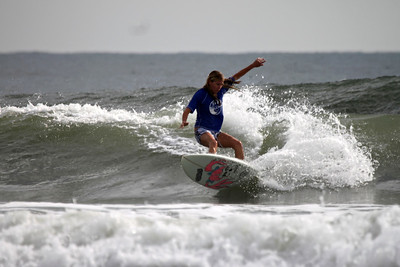 Katie Sullivan cranking a hard cutback-photo V Rose