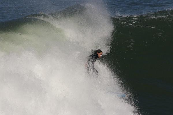 Surfing Fort Point nov-21 2008