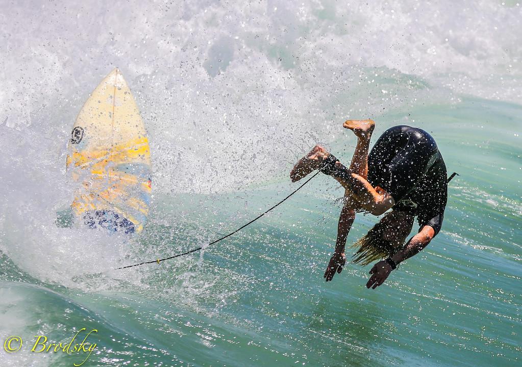 IMAGE: http://brodsky.smugmug.com/Sports/Surfing-Manhattan-Beach/i-mp6DLFB/0/XL/IMGL1967-XL.jpg