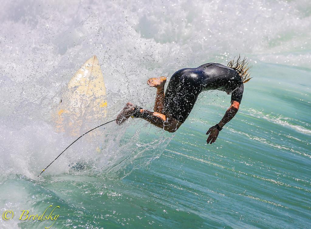 IMAGE: http://brodsky.smugmug.com/Sports/Surfing-Manhattan-Beach/i-rQGHJkh/0/XL/IMGL1966-XL.jpg