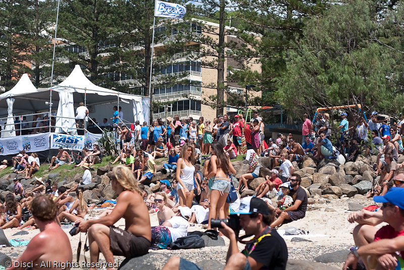Spectators - Candids - Breaka Burleigh Surf Pro Saturday 20 February 2010.
