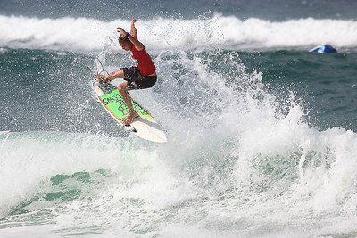 Burleigh Heads Surfing Photos - Breaka Burleigh Surf Pro; 19 February 2010.