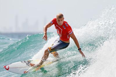 2011 Quiksilver Pro Surfing, Snapper Rocks Superbank, Gold Coast, Australia; 6 March 2011. Photos by Des Thureson