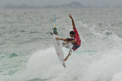 Quiksilver Pro Surfing - Final Day, Snapper Rocks, Coolangatta, Gold Coast; 4 March 2012. Photos by Des Thureson - disci.smugmug.com