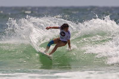 Roxy Pro Women's Surfing; Snapper Rocks, Coolangatta, Gold Coast, Queensland, Australia; 28 February 2012. Photos by Des Thureson - disci.smugmug.com.  Silvana Lima. Round 4, Heat 2.