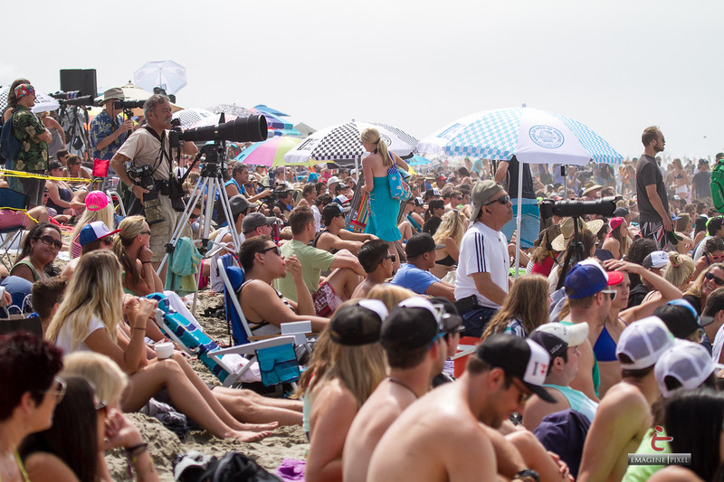 IMAGE: http://www.emaginepixel.com/Sports/Surfing/2013-USOpen-Surfing/i-8JTz8N6/0/L/20130727-USOpen-surfing-129-L.jpg