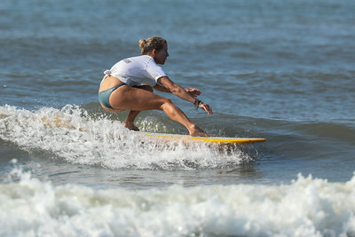 Nice form! Wahine Classic Surfing photos
