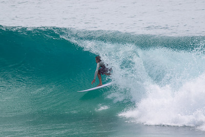 Burleigh Heads Surfing including one very nice green room sequence