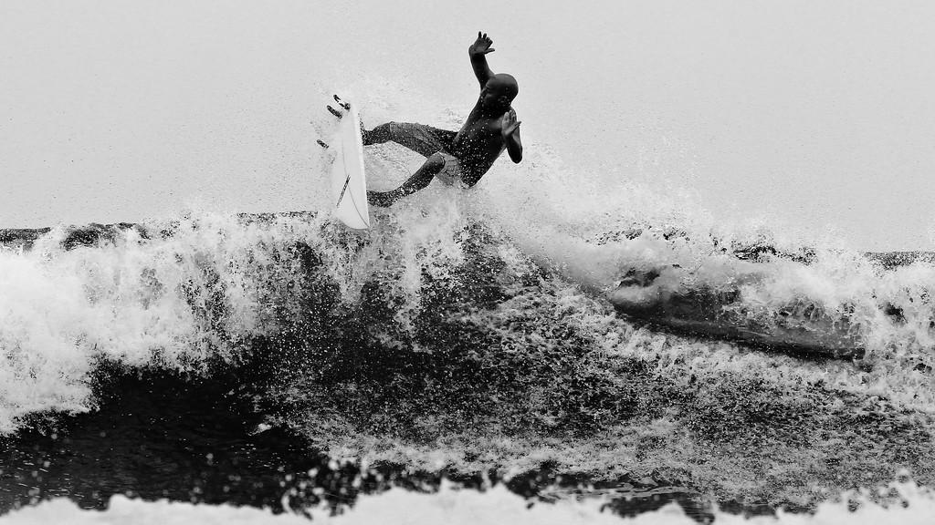 "Alternate Processing - Stark Raging Black Curve - Surfing Burleigh Heads, 31 December 2011, Gold Coast, Queensland, Australia. Photos by Des Thureson: <a href=""http://disci.smugmug.com"">http://disci.smugmug.com</a>"