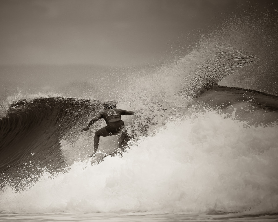 "Alternate Processing: Pretty Presets Brown - Johanne Defay - Roxy Pro - 2016 Quiksilver Pro & 2015 Roxy Pro Surfing; Tuesday 15 March 2016; Snapper Rocks, Coolangatta, Gold Coast, Qld, AUS. Photos by Des Thureson - <a href=""http://disci.smugmug.com"">http://disci.smugmug.com</a>"