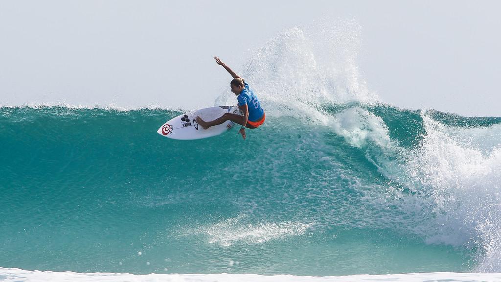 "Nikki Van Dijk - Roxy Pro - 2016 Quiksilver Pro & 2015 Roxy Pro Surfing; Tuesday 15 March 2016; Snapper Rocks, Coolangatta, Gold Coast, Qld, AUS. Photos by Des Thureson - <a href=""http://disci.smugmug.com"">http://disci.smugmug.com</a>"