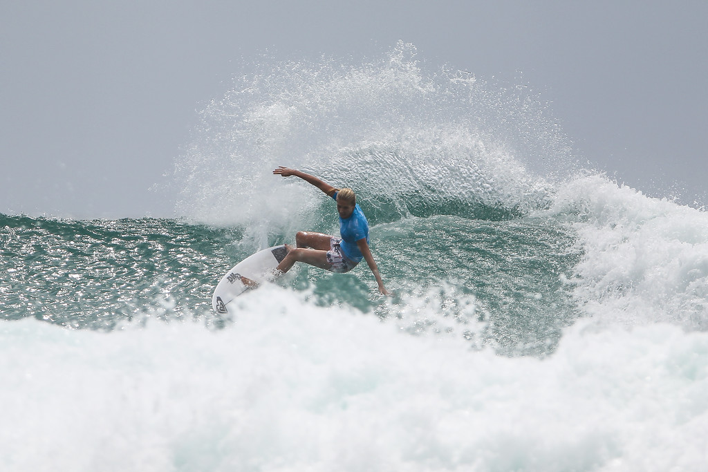 "Stephanie Gilmore - Roxy Pro - 2016 Quiksilver Pro & 2015 Roxy Pro Surfing; Tuesday 15 March 2016; Snapper Rocks, Coolangatta, Gold Coast, Qld, AUS. Photos by Des Thureson - <a href=""http://disci.smugmug.com"">http://disci.smugmug.com</a>"