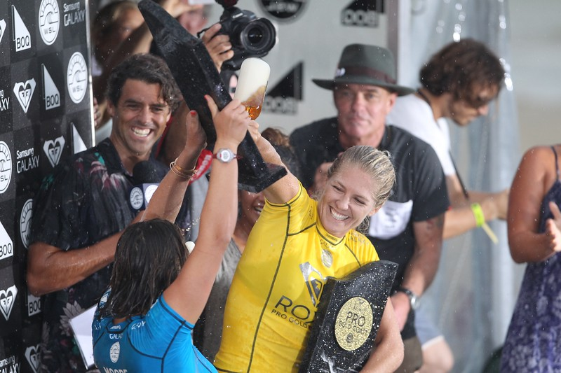 "Carissa Moore, Stephanie Gilmore - 2015 Quiksilver Pro and 2015 Roxy Pro, final day; Friday 13 March 2015; Snapper Rocks, Coolangatta, Gold Coast, Qld, AUS (afternoon session). Photos by Des Thureson - <a href=""http://disci.smugmug.com"">http://disci.smugmug.com</a>"